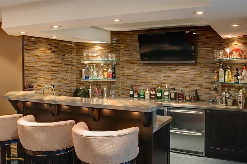 Basement Wet Bar in Etobicoke