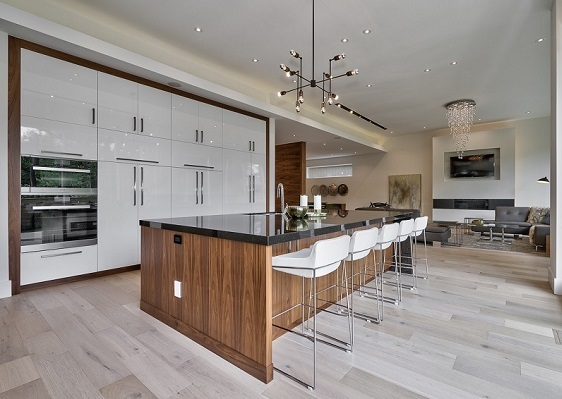 Etobicoke Kitchen Reno with Large Island