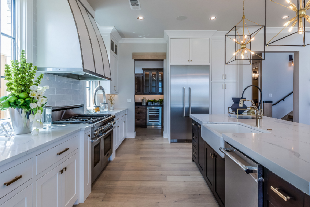 Large Spacious Kitchen with Wood Floors